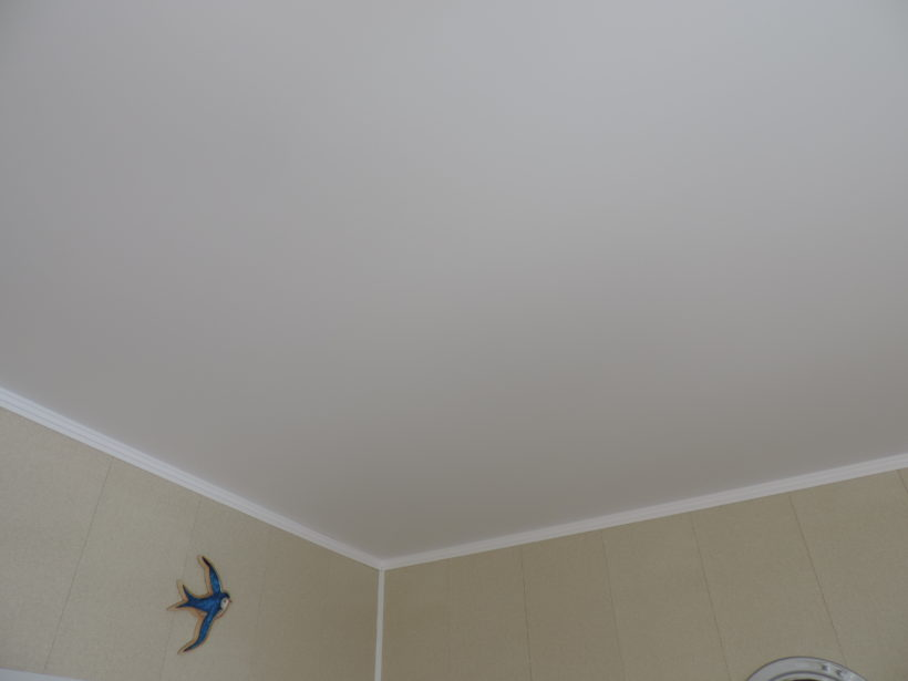 Как правильно установить натяжной потолок